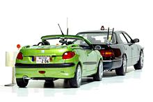 [RAI'S (レイズ) TOYOTA CELSIOR C (UCF21) 警察本部 警備部要人警護車両 1997 & NOREV (ノレブ) PEUGEOT 206 CC]